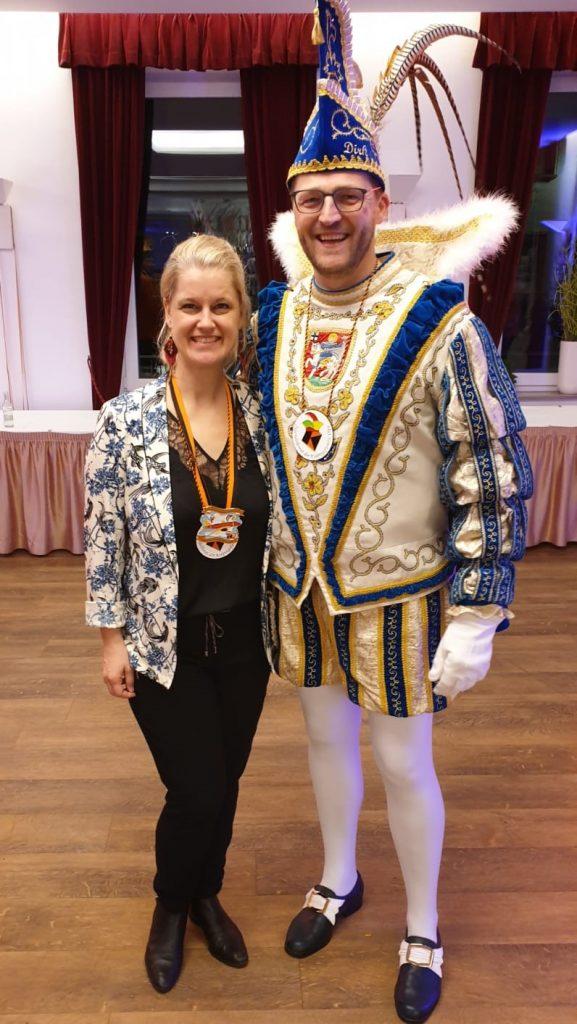 Prinz Dirk I. Thöne mit Ehefrau Tracy.